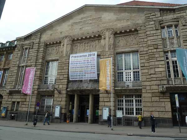Theater Lübeck: Saisonauftakt der Spielzeit 2020/21 mit Doppelabend