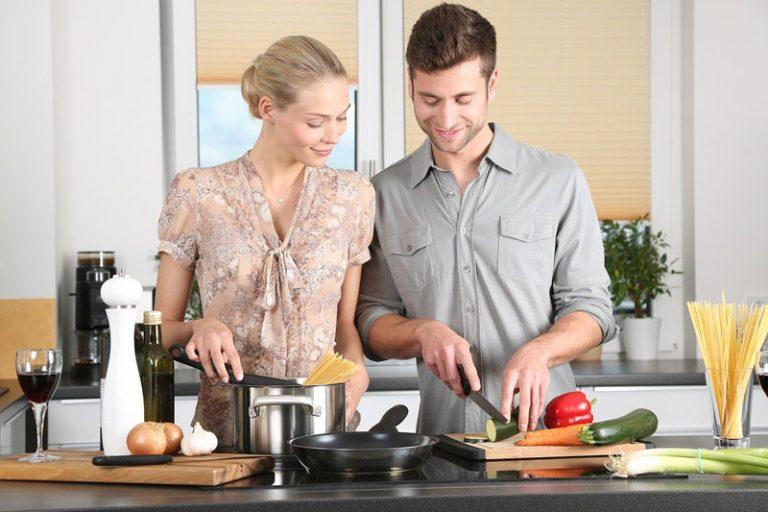 Küchenmaschinen erobern die Küchenzeilen
