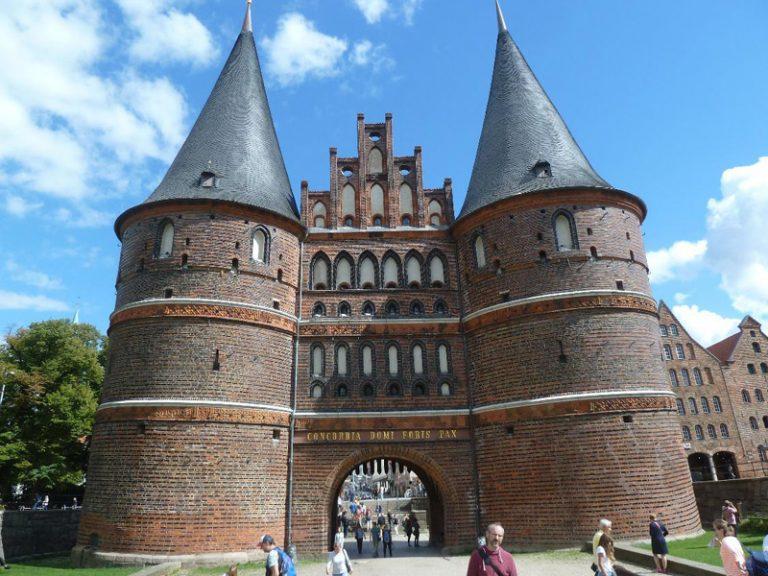 Theater Lübeck: »Der Untertan« feiert am 14. und 15. August Premiere im Großen Haus